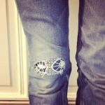 DIY – Jeans mit Spitze flicken