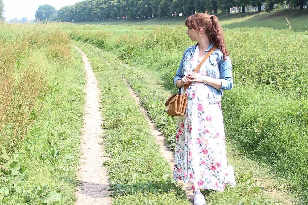 Blumenkleid für den Babybauch – Reeta-Dress von named