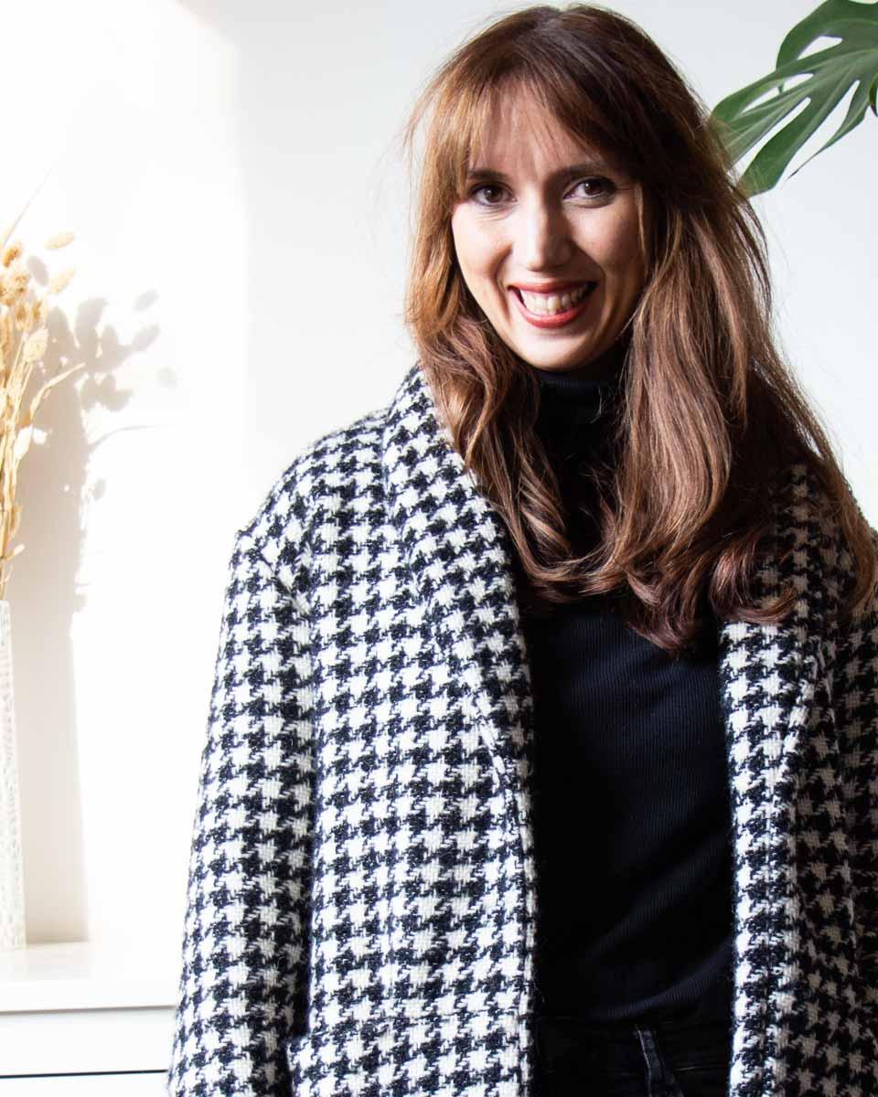 genähter Mantel aus Wolltweed mit Hahnentrittmuster mit Schalkragen