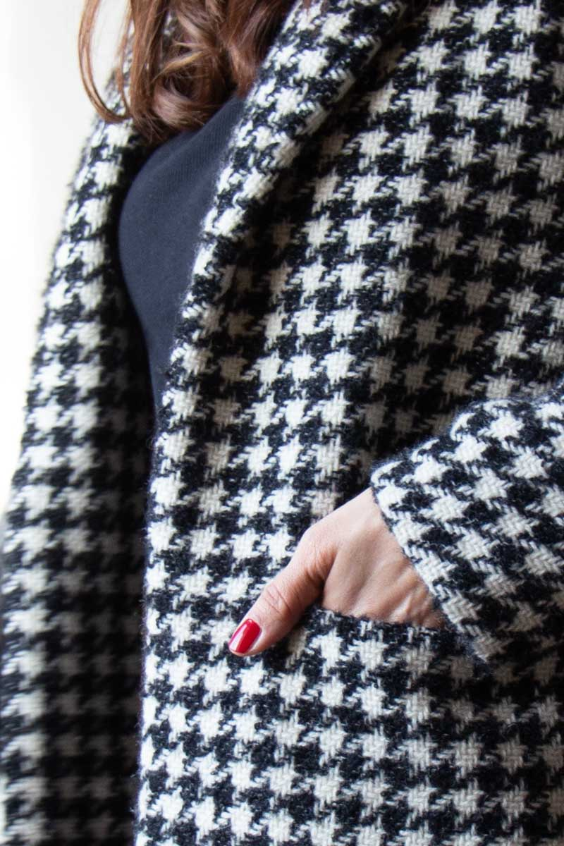 Sylvia Coatigan aus Wolltweed mit Hahnentrittmuster und Taschen